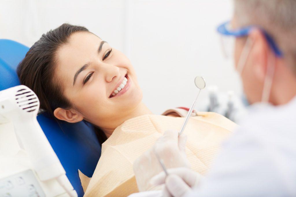 beneficii si neajunsuri fatete dentare