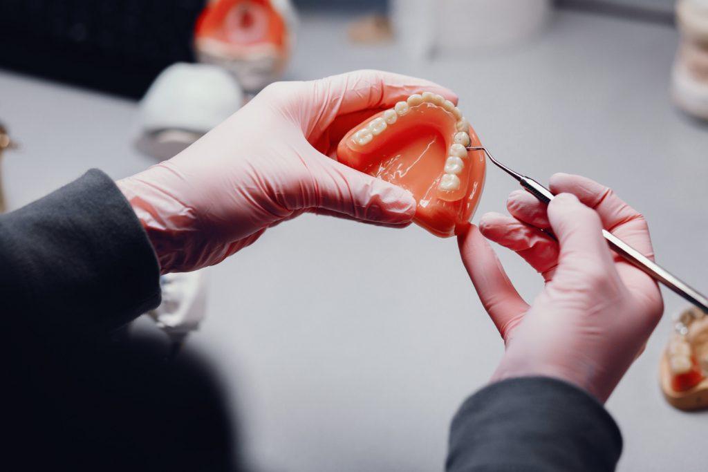 tipuri dispozitive dentare edentatie